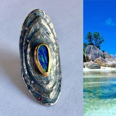 Wunderschöne lange helle blau Opalring, Sterling Silber und 22kt Gold, Diamanten und Rubin.
