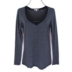 e4b57f0ce01f3 Vince Striped Shirt Size Medium M Womens Blue Top Long Sleeve V Neck Tee  Knit