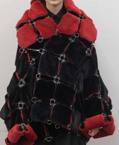 Made from pieces and you can mix in your way Fur Fashion, Fashion Details, Couture Fashion, Runway Fashion, Fashion Art, High Fashion, Fashion Show, Fashion Looks, Womens Fashion