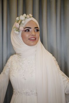 # # Gelinsac the bride& wedding dress # # # # weddingdress weddingday makeup # # # # hijabstyl the hijab the hijab # # # # muslimahfashio the muslim Muslimah Wedding Dress, Hijab Style Dress, Muslim Wedding Dresses, Dress Wedding, Abaya Style, Bridal Hijab, Wedding Hijab, Hijab Mode Inspiration, Hijab Stile