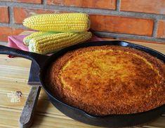 BOLO DE MILHO INGREDIENTES 5 a 7 espigas de milho verde cortadas 1 lata de leite condensado 4 ovos 1 xicara de açucar (eu usei 1/2 xicara) 1 colher (sopa) de manteiga 100 gramas de coco ralado 1 colher (sopa) de fermento em pó Modo de Fazer Pré-aqueça o forno a 180 graus. Coloque os…