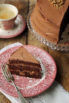 Tort czekoladowo-cynamonowy z nutellą i orzechami włoskimi… – brunetkawkuchni Nutella, Tiramisu, Cooking Recipes, Ethnic Recipes, Food, Cakes, Meals, Chocolate, Pies