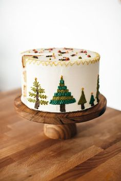 Cool Cake Decorating With Marzipan in Vanilla Butter Cake With Marzipan Buttercream — Molly Yeh Photo Holiday Cakes, Christmas Desserts, Christmas Cupcakes, Vanilla Cupcakes, Vanilla Cake, Mocha Cupcakes, Gourmet Cupcakes, Strawberry Cupcakes, Velvet Cupcakes