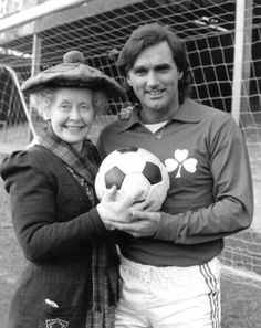 George Best vs Supergran. The Supergran TV show was filmed in various locations around North East England, including North Shields, Tynemouth, Earsdon, Whitley Bay, South Shields and Beamish Museum.