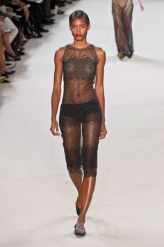 Akris at Paris Fashion Week Spring 2013 - Runway Photos Fashion Week Paris, Inspirational Celebrities, Fashion Show Collection, Ulzzang Girl, Beautiful Black Women, Fashion History, Fashion Models, Beachwear, Runway