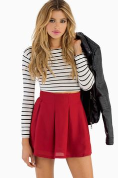 skate skirt striped top leather jacket perfect for fall Bad Girl Outfits, Cool Outfits, Stripe Skirt, Pleated Skirt, Red Skater Skirt, Skater Skirts, Red Skirts, Mini Skirts, Burgundy Skirt