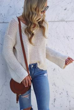 cute+outfit+:+sweater+++brown+bag+++rips
