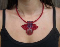Queen of Hearts Red Cuprite Macrame Necklace di GlobalGypsyJewelry
