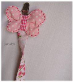 Mais uma fita de chucha em rosa...           Por encomenda.
