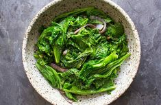 Peppery Mustard Greens simply sautéed with onions, garlic, and olive oil and a dash of sesame oil to finish. Vegan Recipes Videos, Kale Recipes, Vegan Dessert Recipes, Vegan Recipes Easy, Recipies, Vegan Recipes Rice Noodles, How To Cook Turnips, Cooking Mustard Greens, Turnip Greens