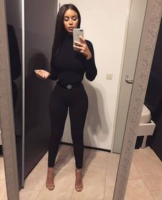 the very best casual outfit a fashionista should have in her closet at the moment Mode Outfits, Fall Outfits, Fashion Outfits, Womens Fashion, Summer Outfits, Couture Outfits, Office Outfits, Fashion Pants, Fashion Killa