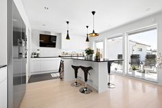 Trend Kitchen Island, Villa, Home Decor, Island Kitchen, Decoration Home, Room Decor, Home Interior Design, Fork, Villas