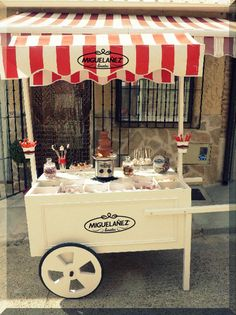 ¡¡SORPRESA!! Os presentamos el carrito de Migueláñez eventos. Además de bonito, es de lo más goloso con fondue de chocolate y muchas, muchas Golosinas Migueláñez. ¿Se os ocurre algo mejor para nuestra #GenteDulce?