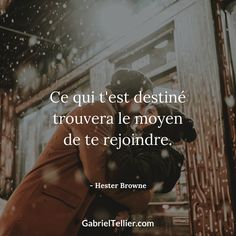 L'amour viendra … alors soyez heureux dans votre quotidien ! What is intended for you will find a way to Happy Love Quotes, Meant To Be Quotes, Life Quotes Love, Quotes For Him, Cute Quotes, Words Quotes, Quotes To Live By, Wall Quotes, Best Inspirational Quotes