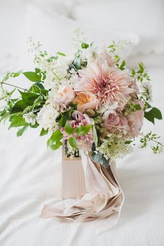 Blushing dahlia bouquet: http://www.stylemepretty.com/vault/gallery/39216 | Photography: Ameris - http://www.ameris.ca/
