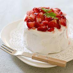 cute food kawaii dessert sweet yum delicious Strawberry Strawberries sweets baking desserts cakes kawaii-food-is-kawaii Cute Food, Yummy Food, Genoise Cake, Strawberry Sweets, Strawberry Filling, Surprise Cake, Kawaii Dessert, Favim, No Bake Desserts