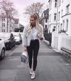 Fluffy jacket, black jeans, t shirt, and sneakers New Fashion, Girl Fashion, Winter Fashion, Tumblr Outfits, Cold Weather Outfits, Winter Outfits, Style Outfits, Fashion Outfits, Snow Outfit