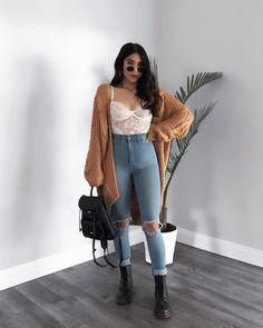 60 Simple Outfits Ideas For Everyday Educabit Everyday Outfits Educabit everyday Ideas outfits Simple Cute Casual Outfits, Edgy Outfits, Simple Outfits, Girl Outfits, Everyday Outfits Simple, Winter Fashion Outfits, Summer Outfits, Fall Fashion, Look Girl