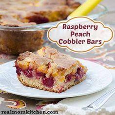 Raspberry Peach Cobbler Bars | realmomkitchen.com