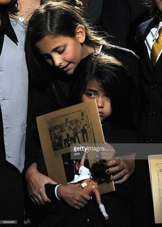 Michael Jackson's daughter Paris Michael Katherine Jackson (top) holds her brother Prince Michael Jackson II (also known as Blanket) at a memorial service for their father, music legend Michael Jackson, at the Staples Center in Los Angeles on July Paris Jackson, Michael Jackson Daughter Paris, Prince Michael Jackson, Michael Jackson Smile, Mike Jackson, Jackson Family, You Are The Sun, You Are My Life, We Are The World