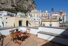 an der Atrani: 2 Schlafzimmer, für bis zu 5 Personen. Tower House nur ein paar Schritte vom Meer an der Amalfiküste | FeWo-direkt