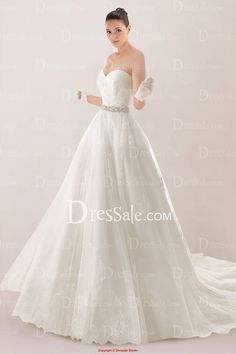 Dreamy Strapless Sweetheart Princess Bridal Gown Featuring Lace Applique and Court Train