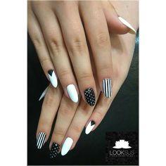 #blackandwhite #black #white #nailsart #nails #nailstoinspire #dotted #stripes #minimalism #beauty #semilacnails #manicure #hybrydowy #hybridnails #hybryda #paznokcie #studiokosmetologiilooksus by ul3nka