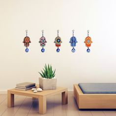 How to make a home office quickly and what you can add to your home or home office to make you be blessed with prosperity, health, luck, and happiness. The perfect wall amulet can be a very easy addition, so try a hamsa hand and evil eye wall decoration today. Home Wall Art, Wall Art Decor, Room Decor, School Pencil Boxes, Lucky Blue, Halloween Quotes, Evil Eye Charm, Star Of David, Hamsa Hand