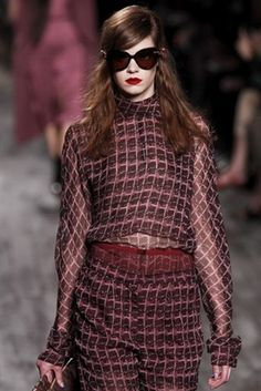 Nina Ricci AW 2013/14. I absolutely love the colour of this look. It's rich and alluring and the perfect autumn anecdote....x