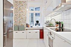 White kitchen with bench Kitchen Dining, Kitchen Cabinets, Living Spaces, Minimalist, Interior, Inspiration, House, Home Decor, Kitchen Ideas