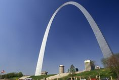 15 must see places in MO.                   1. Gateway Arch