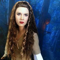 New! Carrie Fisher Princess Leia tribute doll I made ✨✨✨ #carriefisher #princessleia #leia #doll #onesixthscale #onesixthfigure #starwars  #dolls #dollstagram #disney #disneyprincess #starwarsreturnofthejedi #cyguy #cyguy83 #ebaydoll #repaint #repaintdoll #ooakdoll #dudeswithdolls #generalleia #barbiedoll #barbiestyle #customdoll #ebay #hottoys #toys #actionfigure #starwarsthelastjedi