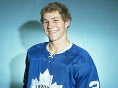 Darryl Sittler | Toronto Maple Leafs | NHL | Hockey Hockey Rules, Women's Hockey, Hockey Stuff, Stars Hockey, Hockey Season, Nhl News, Carolina Hurricanes, Vancouver Canucks, National Hockey League