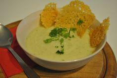 Zellerkrémleves sajt chipsszel | Recept Guru Thai Red Curry, Food And Drink, Chips, Ethnic Recipes, Potato Chip, Potato Chips