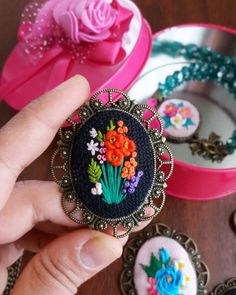 470 Likes, 5 Comments - osmaniye ( on. Embroidery Jewelry, Silk Ribbon Embroidery, Cross Stitch Embroidery, Hand Embroidery, Felt Flowers, Fabric Flowers, Embroidery Patterns Free, Handmade Accessories, Beaded Jewelry