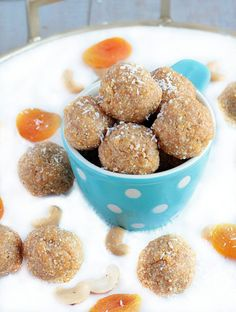 13 Mediterranean Desserts That Don't Go Overboard on the Swe.- 13 Mediterranean Desserts That Don't Go Overboard on the Sweet Stuff 13 Mediterranean Desserts That Are the Perfect Amount of Sweet - Healthy Dessert Recipes, Healthy Foods To Eat, Healthy Snacks, Healthy Breakfasts, Protein Snacks, Vegan Recipes, Cheap Recipes, Fodmap Recipes, Diet Snacks