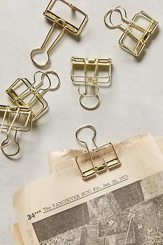Use these vintage-inspired binder clips to add a card or tag to a seed packet. Would work great for seating cards on seed packets for a wedding or event.  Want to see more wedding seed favor ideas? Check out our board here:  https://www.pinterest.com/bentleyseeds/wedding-seed-packet-favors/