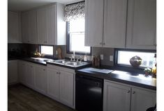 U Shaped Kitchen, Mobile Homes, Walk In Pantry, Countertops, Kitchen Cabinets, Popular, Detail, Storage, Natural Light