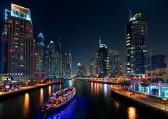 The best things to do in Dubai? Explore these best attractions, sightseeing spots, fun activities, and other handpicked places to visit in Dubai on this weekend. Know that most of the things to do are free or cheap. Cruise Prices, Marina Dubai, Tourist Agency, Desert Safari Dubai, Dubai Deals, Dubai Tour, Dubai City, Dubai Uae, Travel