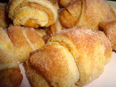 MINI FALL PUMPKIN PIE CROISSANTS 2 tubes of Pillsbury refrigerated crescent rolls. block) of softened cream cheese 1 cup of canned pumpkin T pumpkin pie spice (adjust to taste) T sugar makes 32 mini croissants Mini Pumpkin Pies, Pumpkin Pie Spice, Pumpkin Rolls, Cheese Pumpkin, Pumpkin Pumpkin, Pumpkin Butter, Pumpkin Tarts, Pumpkin Scones, Pumpkin Pillows