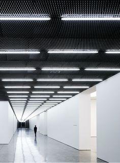 White Cube Gallery Bermondsey London by Casper Mueller Kneer