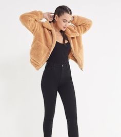 """This Winter Trend Is """"Seeing Massive Crowd Appeal"""" Winter Outfits, Casual Outfits, Cute Outfits, Teddy Bear Jacket, Autumn Winter Fashion, Fall Fashion, Fall Winter, Fashion Trends, Winter Trends"""