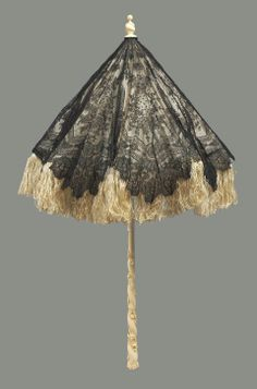 French Black Chantilly-Lace Parasol with Wide Silk Fringe, Century. I just love parasols! Large Garden Parasol, Garden Parasols, Umbrellas Parasols, Lace Umbrella, Vintage Umbrella, Antique Lace, Vintage Lace, Vintage Dresses, Vintage Clothing