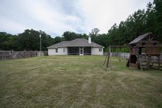 http://www.homes.com/property/8314-mahan-dr-tallahassee-fl-32309/id-200008750511/
