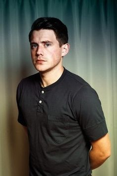 Jamie Cook with a weight of 63 kg and a feet size of N/A in favorite outfit & clothing style