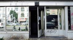 11 Restaurants auf der Kantstraße, die ihr ausprobieren müsst | Mit Vergnügen Berlin Berlin, Oversized Mirror, Restaurants, To Go, New Homes, Foodies, Sushi Food, Japanese Food, Simple