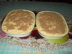 Two packs of lady fingers 2 tins of caramel 1 big tub of Ultramel custard 2 tubs of whipping cream ( 6 bananas Method In a large bowl with a flat surface place your lady fingers neatly next to each other until all the surface of the bowl is covered Custard Pudding, Custard Recipes, Milk Recipes, Tart Recipes, Banana Pudding, Sweet Recipes, Appetiser Recipes, Custard Cake, Pudding Cake