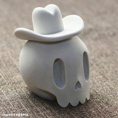 TOYSREVIL: #BandofDoodlers Skull from Mighty Jaxx