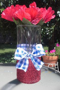 Thanks for checking out my listing! Any fan of The Wizard of Oz will love this Dorothy inspired vase! Vase would be perfect for an Oz themed
