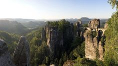 https://earthporn.co/sightseeing/europe/germany/elbe-sandstone-mountains.jpg